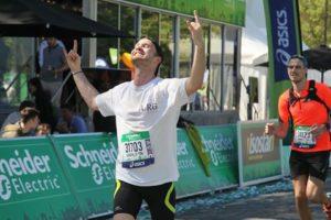 Quentin a couru le Marathon de Paris pour l'AIRG-France le dimanche 9 avril 2017 !